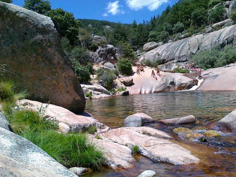 Piscinas naturales en Madrid, Pozas de puebla